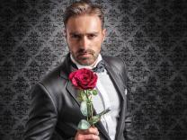 13 znakova koji pokazuju da ste u vezi sa džentlmenom