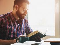 Zašto su ženama neodoljivi muškarci koji čitaju knjige?